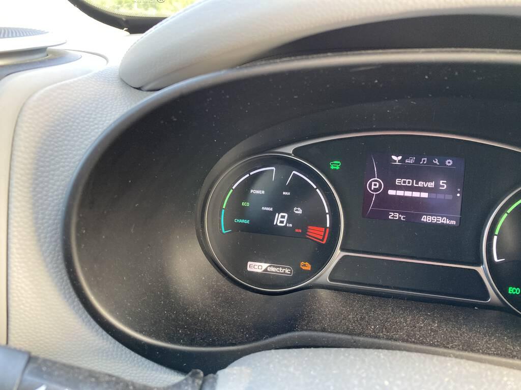 Kia Soul EV dash showing 18 km of range.