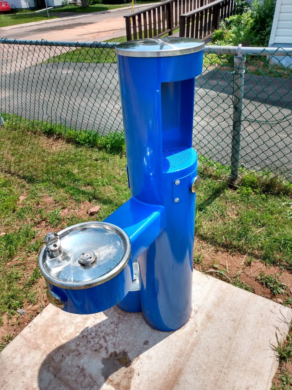 Photo of the new drinking water fountain in Orlebar Park.