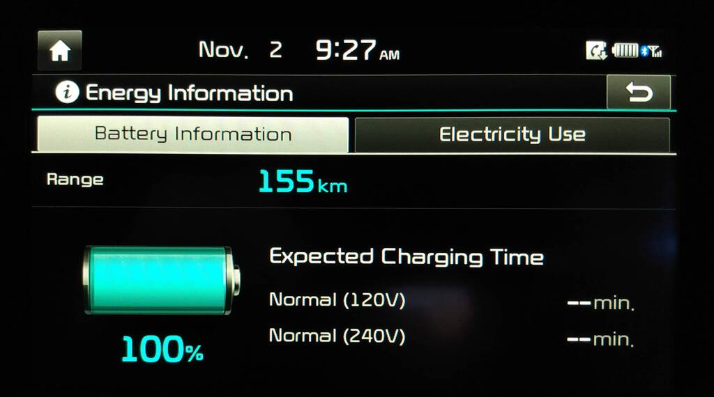 Kia Soul display showing 100% charge and 155 km of range.