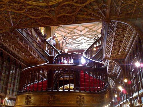 Livraria Lello Staircase