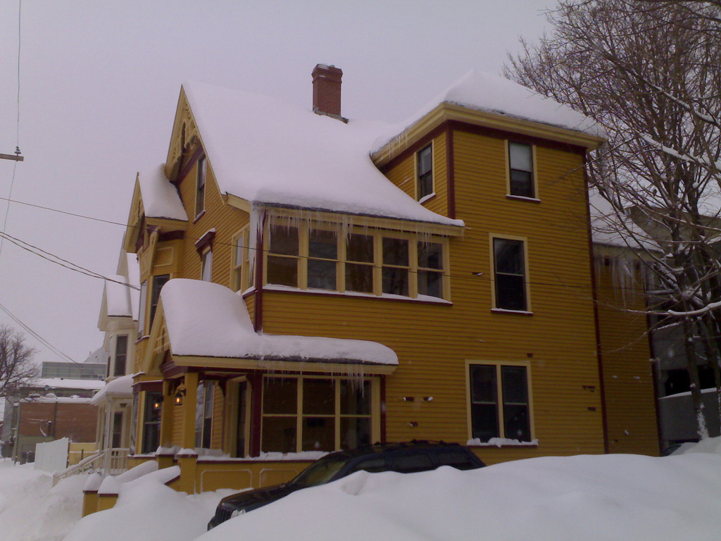 84 Fiztroy Street with Snow