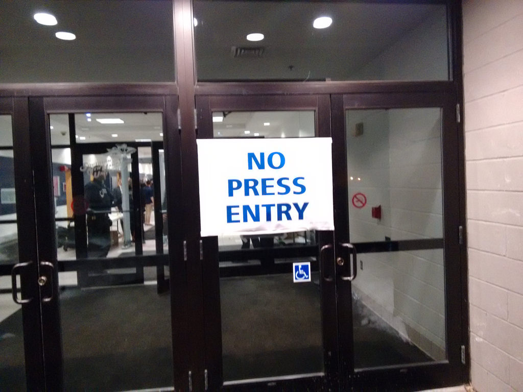 NO PRESS ENTRY