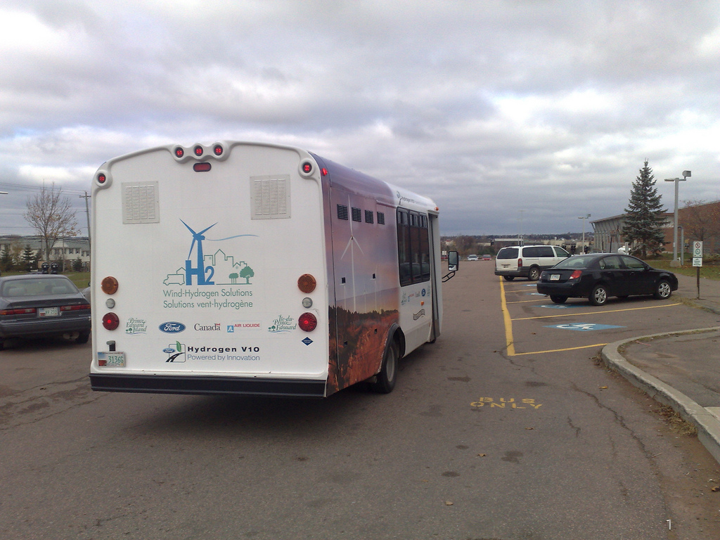 Hydrogen Bus at UPEI