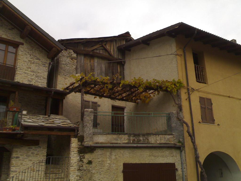 Stone and Wood in Caprauna
