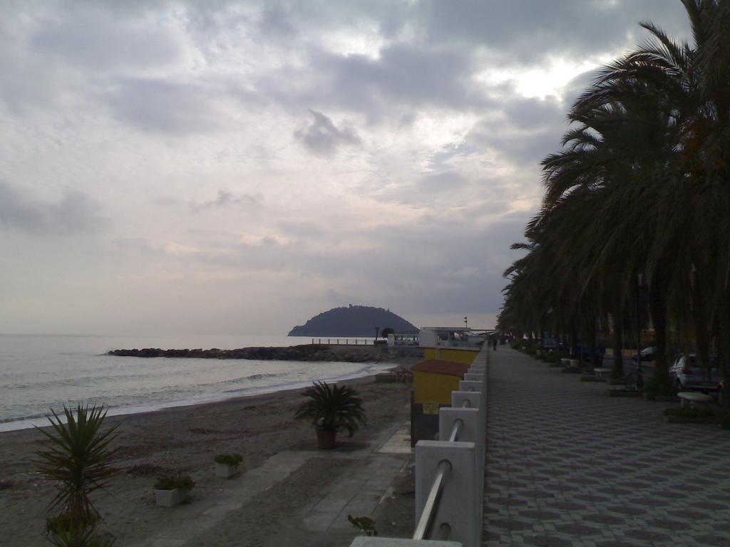 Island off Albegna