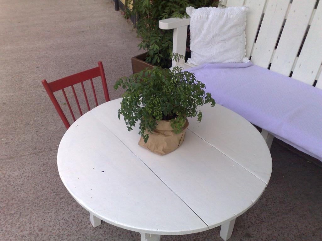 Tiny Chairs at Leonhard's