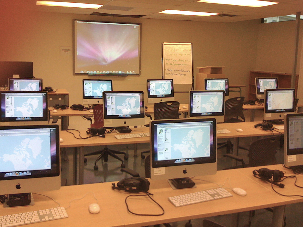 OpenStreetMap Mapping Party at UPEI Language Lab
