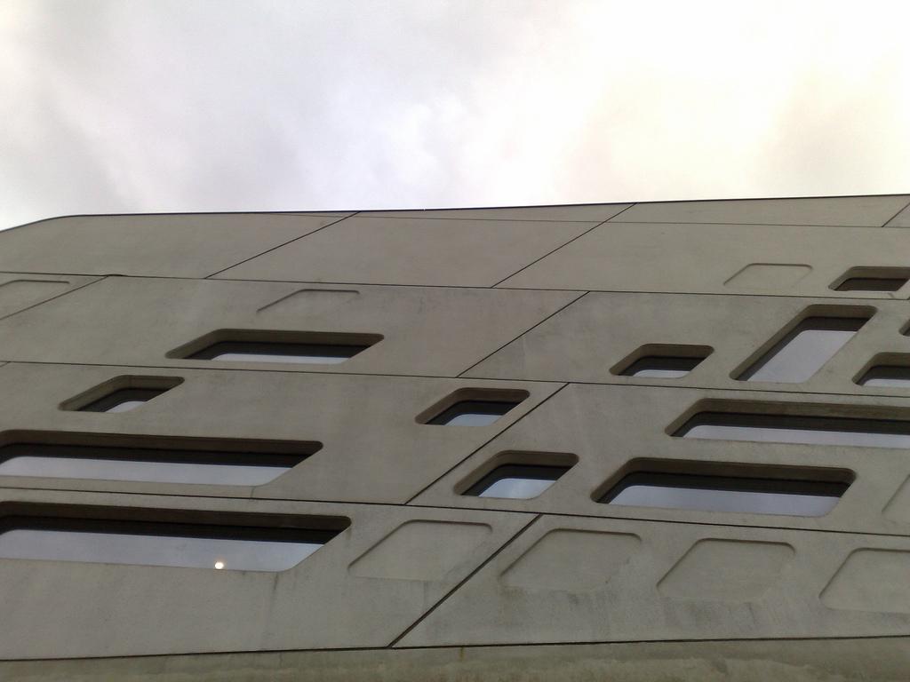 Phaeno Exterior