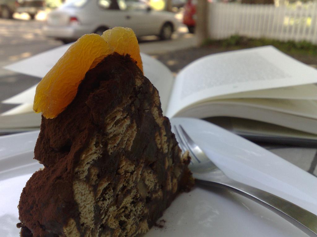 Mosaik Cake at Gusto