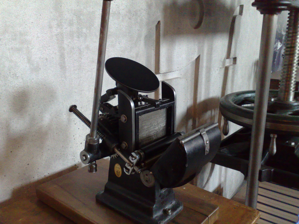 Small Platen Press