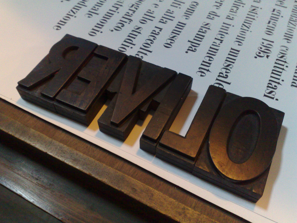 Oliver in Wood Type (with kerning cuts)