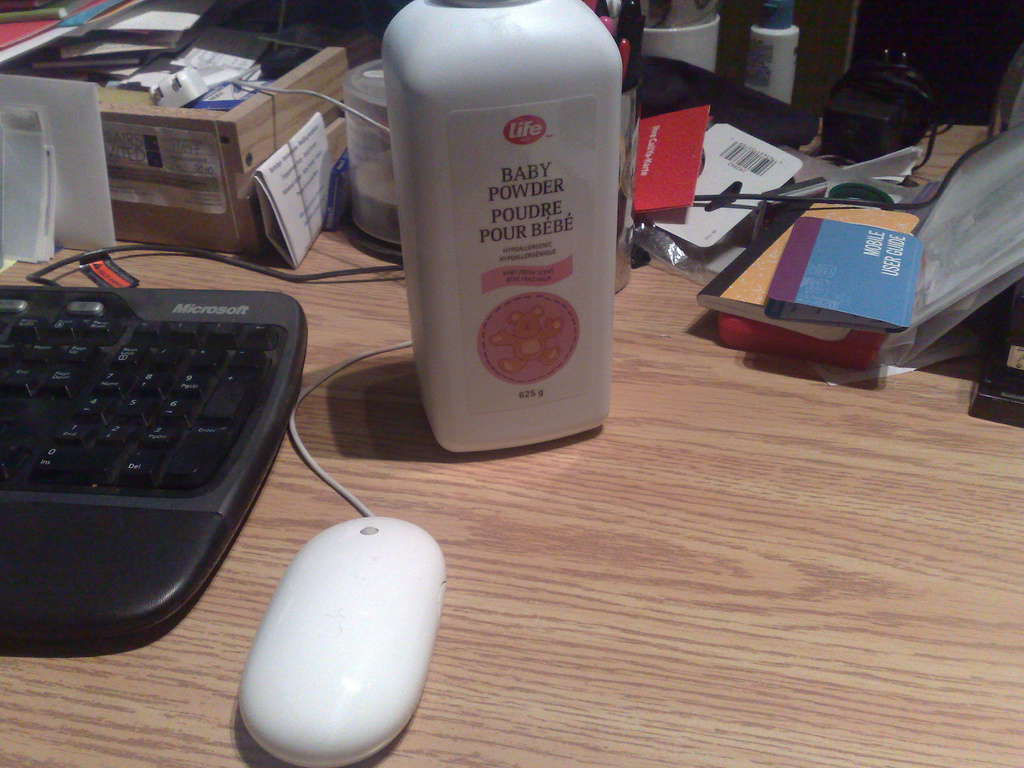 Baby Powder + Mouse = Easy Glide