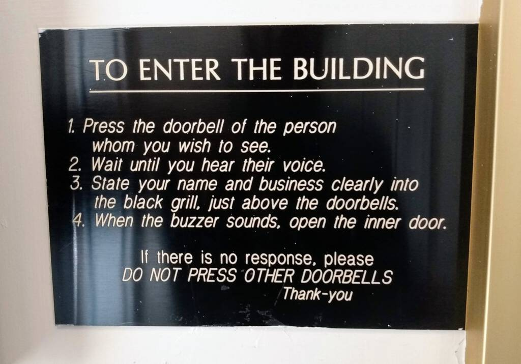How to use the intercom in an apartment building