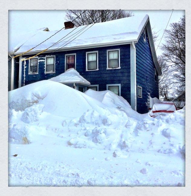 Snow on 100 Prince St.
