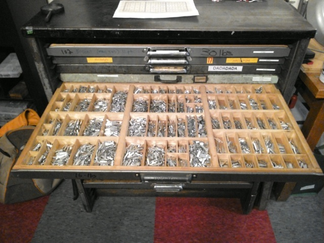 Type Drawer Filled
