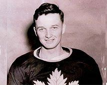 Gus Bodnar in a Leafs Sweater