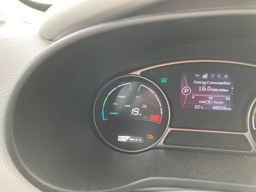 Kia Soul EV showing 19 km of estimated range.