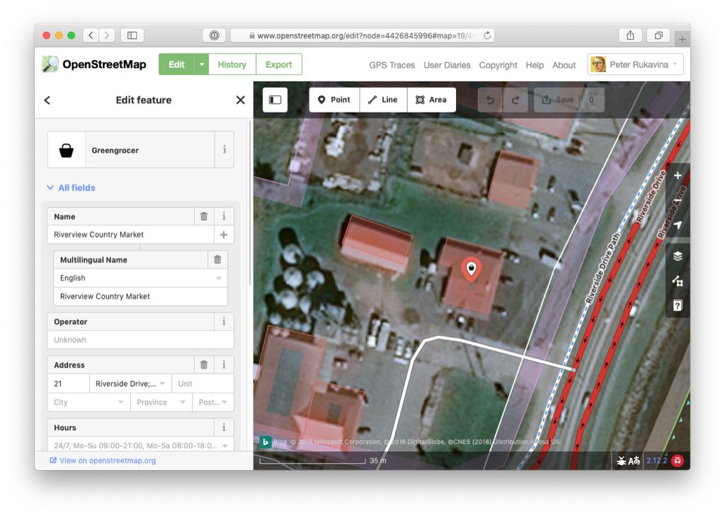 Screen shot of Riverview Country Market in the OpenStreetMap editor.
